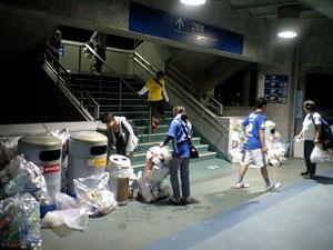 日産スタジアムのゴミ箱